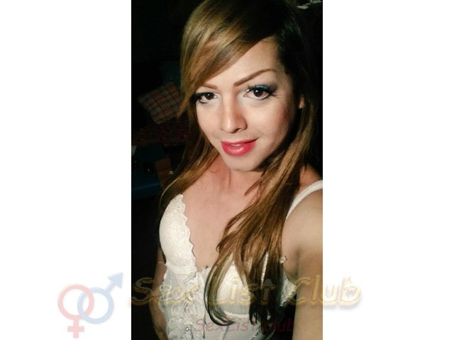 bella transexual con estudio